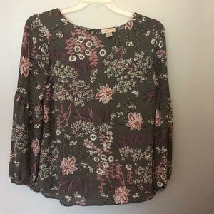 Loft floral career style billow sleeved blouse M